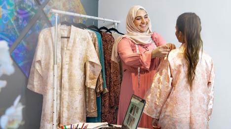 Eid Al-Fitr customer service for clothes shop