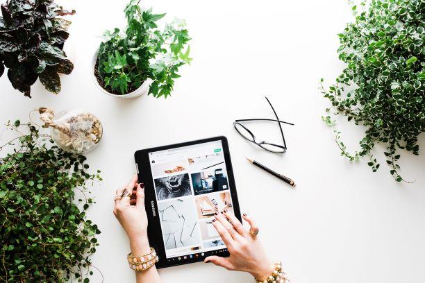 spring shopping online tablet