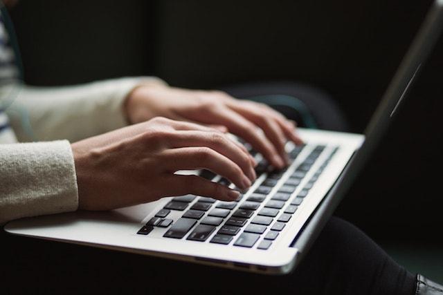 start a website laptop